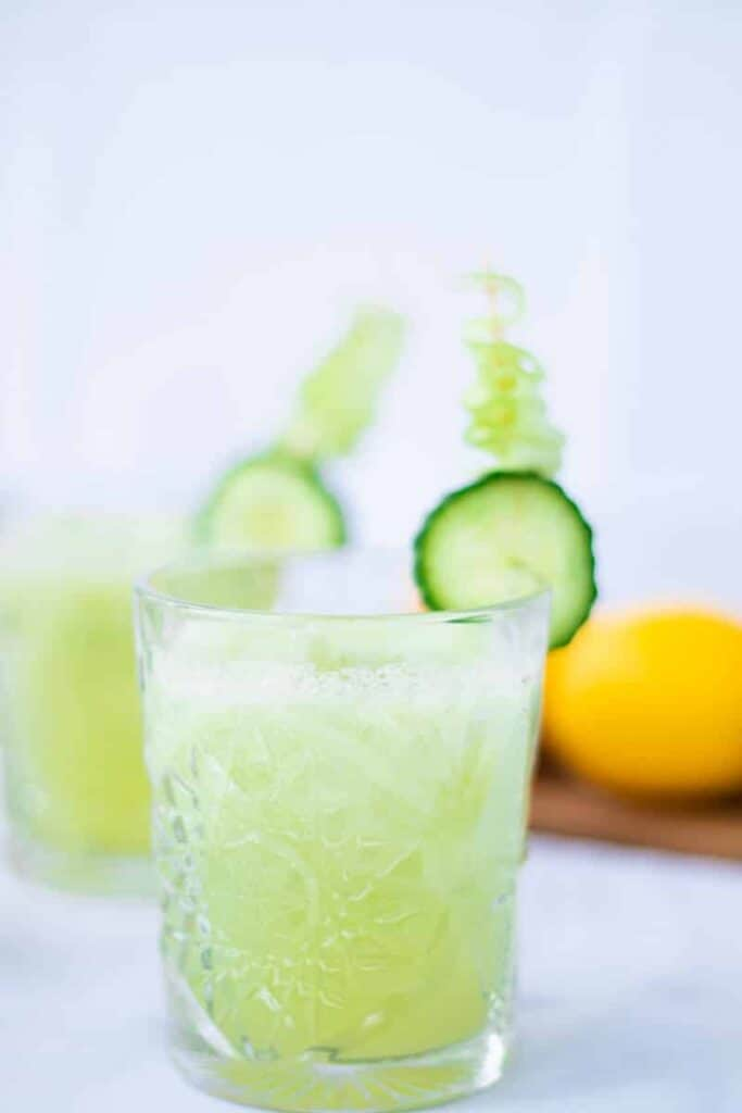 a clean cucumber collins in a glass