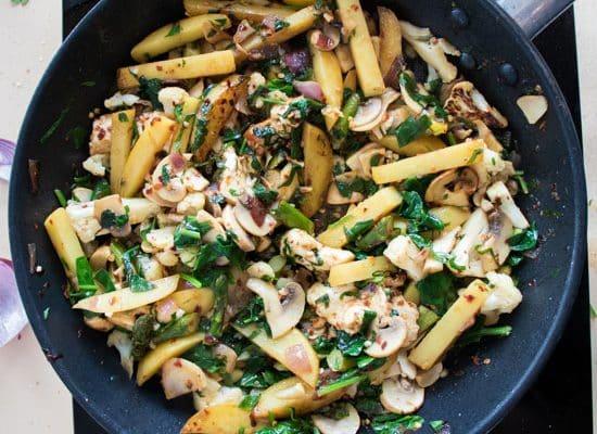 20-minute Potato Halloumi Stir-fry [Vegetarian & Gluten Free]