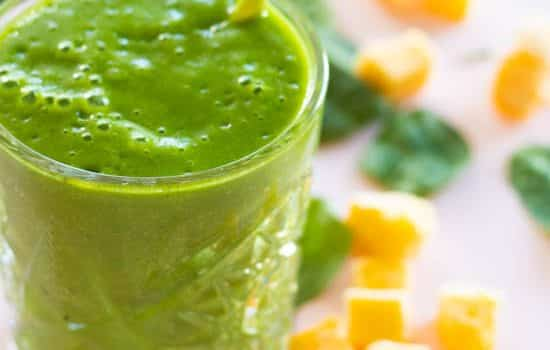 Healthy Green Mango Smoothie with Ginger [Vegan]