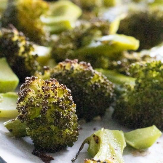 closeup of garlic roasted broccoli