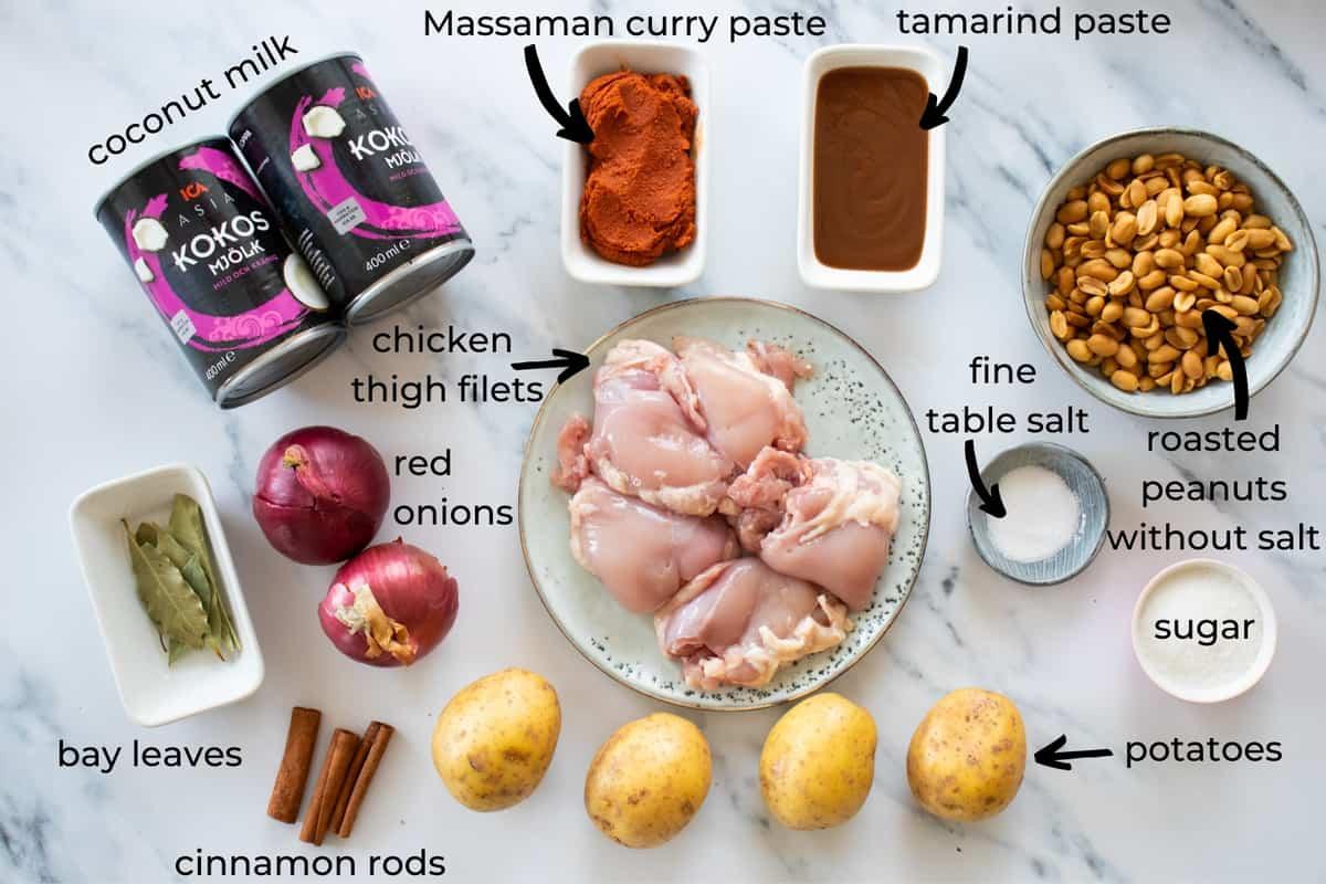 ingredients needed to make massaamn chicken curry